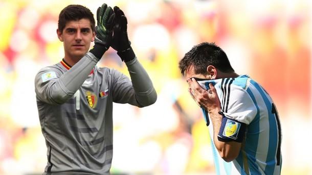 Messi no puede meterle gol a courtois